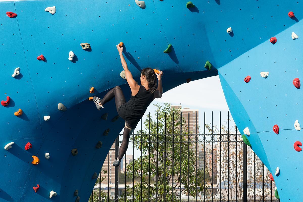 Bouldering - Brooklyn Bridge Park